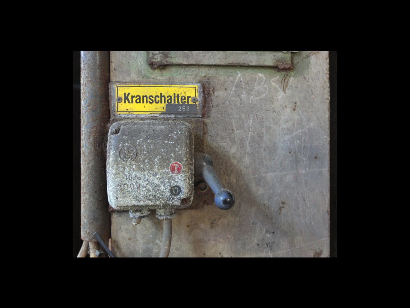 kranschalter-signs-of-old-times